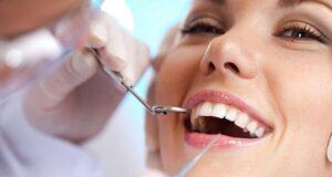 bọc răng sứ hay trồng răng implant sẽ tốt hơn 2